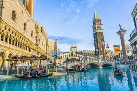 LAS VEGAS - 4 juni: The Venetian Resort Hotel & Casino op 17 juli 2008. Het resort geopend op 3 mei 1999 met flutter van witte duiven, klinkende trompetten, zingen gondeliers en actrice Sophia Loren.