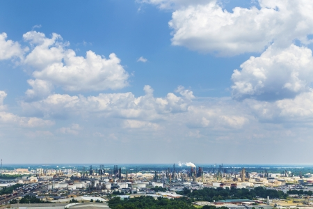 view from Baton Rouge to the oil refineries in direction La Planta