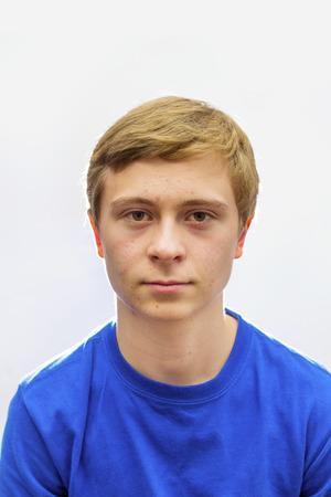 pubertad: Retrato de chico guapo en la pubertad Foto de archivo