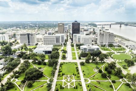 luchtfoto van Baton Rouge met Huey Long standbeeld en de beroemde skyline Stockfoto