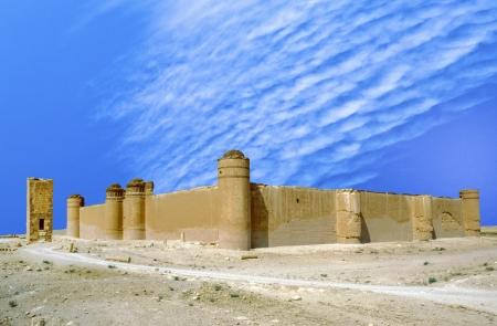 ibn: AL-SUKHNAH, SYRIA - OCT 23:  Qasr al-Hayr al-Sharqi castle in the syrian desert on Oct 23, 1996 in AlSukhnah, Syria.  It was built by the Umayyad caliph Hisham ibn Abd al-Malik in 728-29 CE in an area rich in desert fauna.