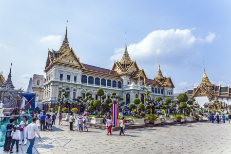 BANGKOK, THAILAND - JAN 4: people visit Chakri Maha Prasat in Grand Palace on January 4, 2010 in Bangkok, Thailand.  The palace was built by King Rama V and completed in 1882. Stock Photo - 25182019