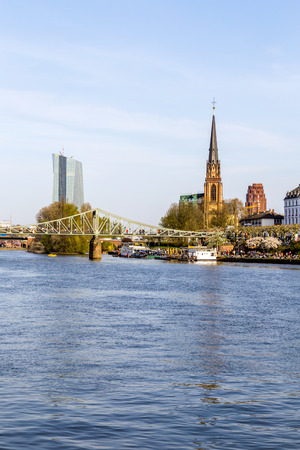sachsenhausen: skyline of Frankfurt with river Main, Eiserner Steg and church