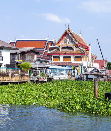 phraya: templo en el r�o Mae Nam Chao Phraya en Bangkok