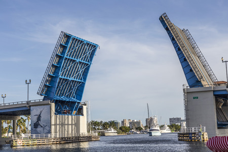 draw bridge: View of the Fort Lauderdale Intracoastal Waterway from a water taxi with a drawbridge ahead