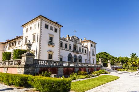 Vizcaya, Floridas residencia más grande, una vez pertenece al millonario industrial James Deering, está en el centro de Miami, Florida, EE.UU.. Foto de archivo - 35312316