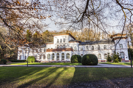 badhuis: historic Kurhaus with scenic park in Bad Soden