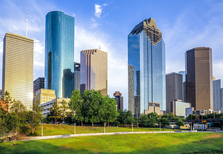 skyline van Houston in heldere zonsondergang