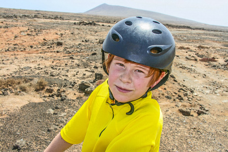 mountainbike: boy riding his mountainbike offroads and doing tricks Stock Photo