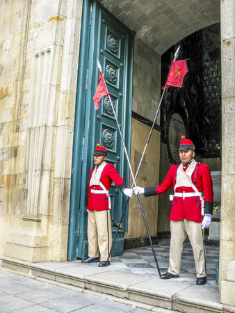 murillo: LA PAZ, BOLIVIA - JAN 21, 2015: Guard at the legislative Palace, seat of the government since 1905, on Plaza Murillo in the city center in La Paz, Bolivia