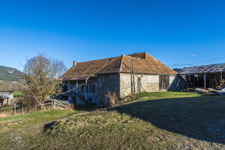 Landscape with old farm house in Seigne des Alps in France Imagens