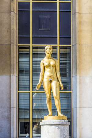 trocadero: golden statue at Trocadero in Paris