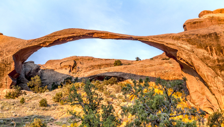north window arch: Iconic arching rock formation at dawn near Moab, Utah Stock Photo