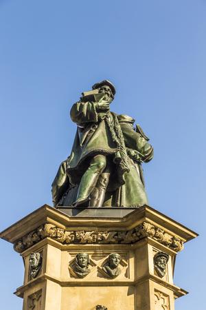 johannes: The Johannes Gutenberg monument on the southern Rossmarkt (1854 - 1858, by sculptor Eduard Schmidt von der Launitz). Johannes Gutenberg - inventor of book printing. Frankfurt am Main, Germany.