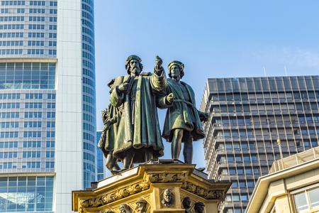 eduard: The Johannes Gutenberg monument on the southern Rossmarkt (1854 - 1858, by sculptor Eduard Schmidt von der Launitz). Johannes Gutenberg - inventor of book printing. Frankfurt am Main, Germany.
