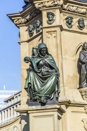 johannes: The Johannes Gutenberg monument on the southern Rossmarkt Editorial