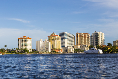condo: skyline of Fort Lauderdale seen from the main canal