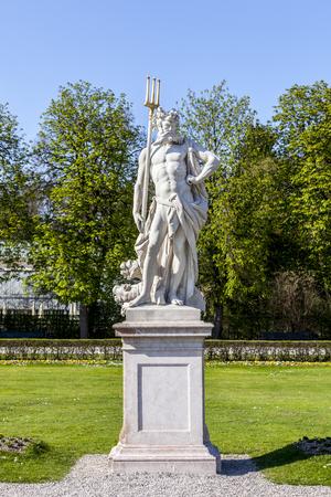 neptuno: Estatua de Neptuno en el Palacio de Nymphenburg, Munich