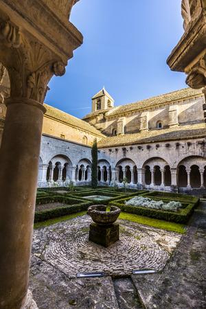 vaucluse: Cloister of Senanque Abbey, Vaucluse, Gordes, Provence, France