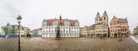 Wittenberg, Duitsland - 25 maart 2016: het centrale plein van de stad Wittenberg Luther in Duitsland. Wittenberg is UNESCO World Heritage Site.