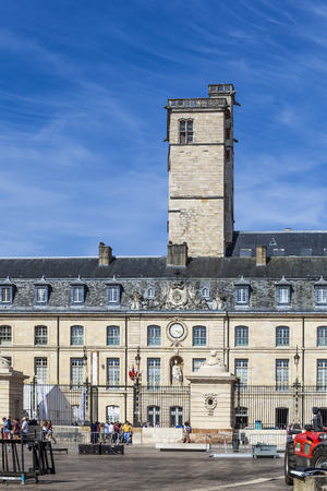 duke: DIJON, FRANCE - SEP 3, 2016: Famous city hall in Dijon, France. Editorial