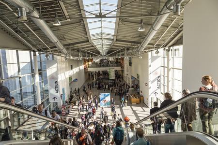 KÖLN, DEUTSCHLAND - 21. September 2016: Die Menschen, die Photokina in Köln besuchen. Die Photokina ist die Messe führende Welten für Fotos und Videos. Editorial