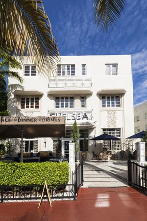 MIAMI, USA - AUG 5, 2013: old vintage Hotel Chelsea in Miami Beach in art deco style near ocean drive in South Beach, Miami. Sajtókép