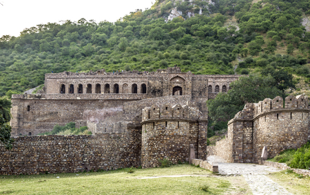 old Bhangarh Fort in India under blue sky Imagens