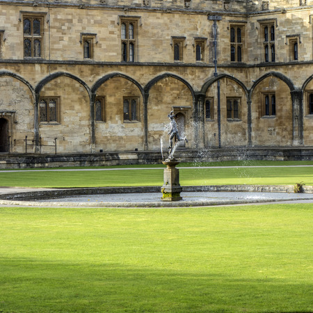 Fountain at Christ Church College, Oxford (United Kingdom)
