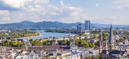 독일의 옛 수도 인 본 (Bonn)의 공중 스톡 콘텐츠