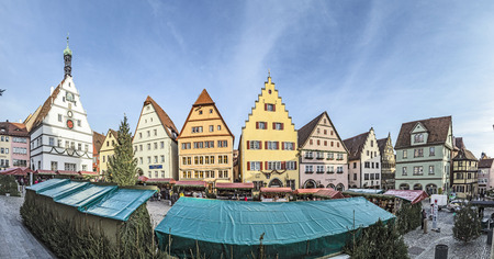 half timbered house: ROTHENBURG OB DER TAUBER, GERMANY - NOV 30, 2016: panoramic view of the Christmas market at medieval town of Rothenburg ob der Tauber.Germany Editorial