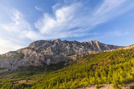 프로방스에서 유명한 마운트 셍트 victoire, 세잔 산