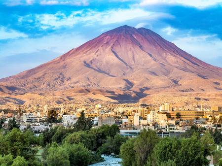 city of Arequipa, Peru with its iconic volcano Chachani in the background 스톡 콘텐츠