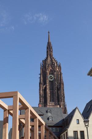 frankfurt dome with rebuilt houses of old town in Frankfurt under blue sky Banco de Imagens