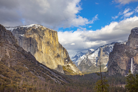 beautiful view in Yosemite valley with half dome and el capitan in winter
