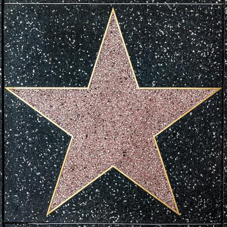 LOS ANGELES, USA - 5. MÄRZ 2019: Nahaufnahme des leeren Sterns auf dem Hollywood Walk of Fame.