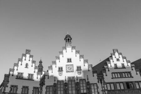 Giebel des berühmten Rathauses am Römer in Frankfurt, Deutschland
