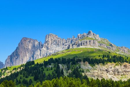 view to the Karer pass in the dolomite alpes Stockfoto - 133478996