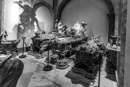Vienna, Austria - April 26, 2015: crypt of the Habsburg Kings in Vienna, Austria. The bones of 145 Habsburg royalty plus urns containing the hearts of four others, are here in the capuchin crypt. 新闻类图片