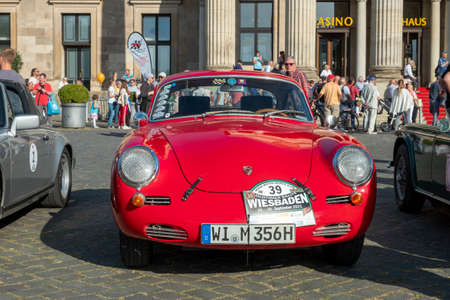 Wiesbaden, Germany - September 24, 2021: the Porsche 356 SC 1600 reaches the final goal of the Oldtimer ralley Wiesbaden in Wiesbaden after a challenge in the Rheingau, Germany. Редакционное