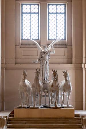 Statue of the Goddess Victoria Riding on Quadriga, Altare della Patria, Rome, Italy Редакционное