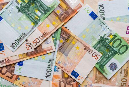 Gros plan de l'euro Union européenne Monnaie de l'UE, factures de 100 et 50 euros.