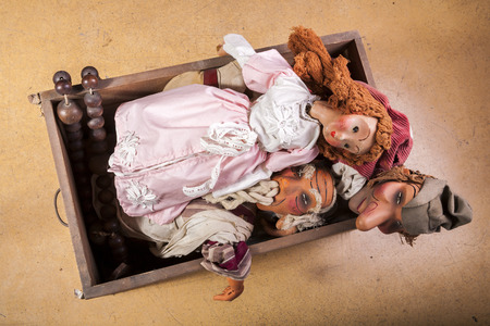 puppets: Vintage Marionettes - Puppets in Coffer