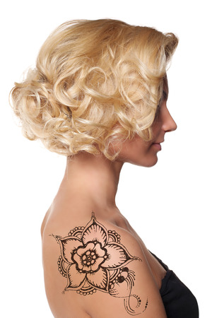 sexy tattoo: woman shoulder hand with mehendi