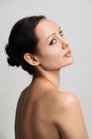 belle brunette: Portrait de belles femmes Brunet