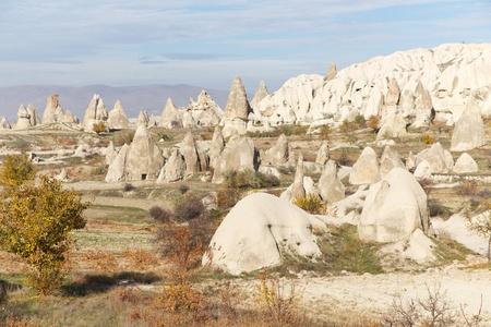 kappadokien: Geschnitzte Rock H�user bekannt als Feenkamine in den T�lern von Kappadokien, Anatolien, T�rkei