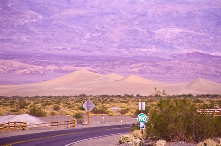 Death Valley is the lowest, driest and hottest valley in the United states. It is the location of the lowest elevation in Western hemisphere Banco de Imagens - 2897509