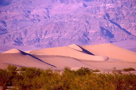 Death Valley is the lowest, driest and hottest valley in the United states. It is the location of the lowest elevation in Western hemisphere Banco de Imagens - 2897514