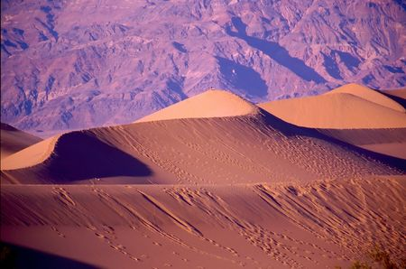 Death Valley is the lowest, driest and hottest valley in the United states. It is the location of the lowest elevation in Western hemisphere Banco de Imagens - 2897540