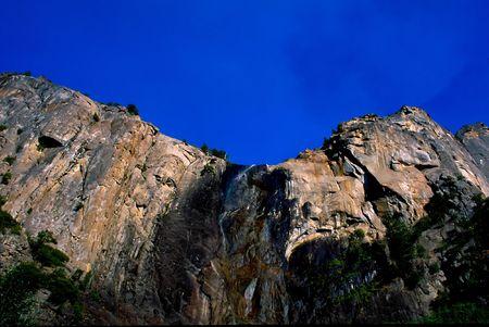 john muir wilderness: Parque Nacional Yosemite es un parque nacional situado en gran medida en Mariposa y Condados Tuolumne, California, Estados Unidos.